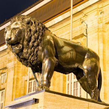 Löwe vor dem Landesmuseum